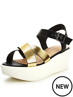 shoe-box-promise-sporty-flatform-sandals