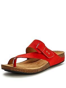 clarks-perri-coast-toe-strap-grenadine-flat-sandals