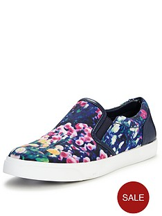 clarks-glove-puppet-floral-print-skate-shoes