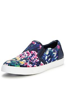 clarks-glove-puppet-floral-print-slip-on-skate-shoes