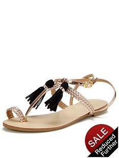 glamorous-tassle-toe-post-sandals