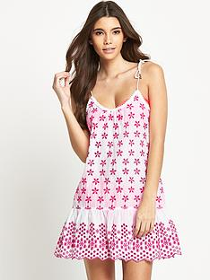resort-embroidered-tiered-beach-dress