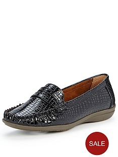 foot-cushion-josie-loafers-black-patent-crocs