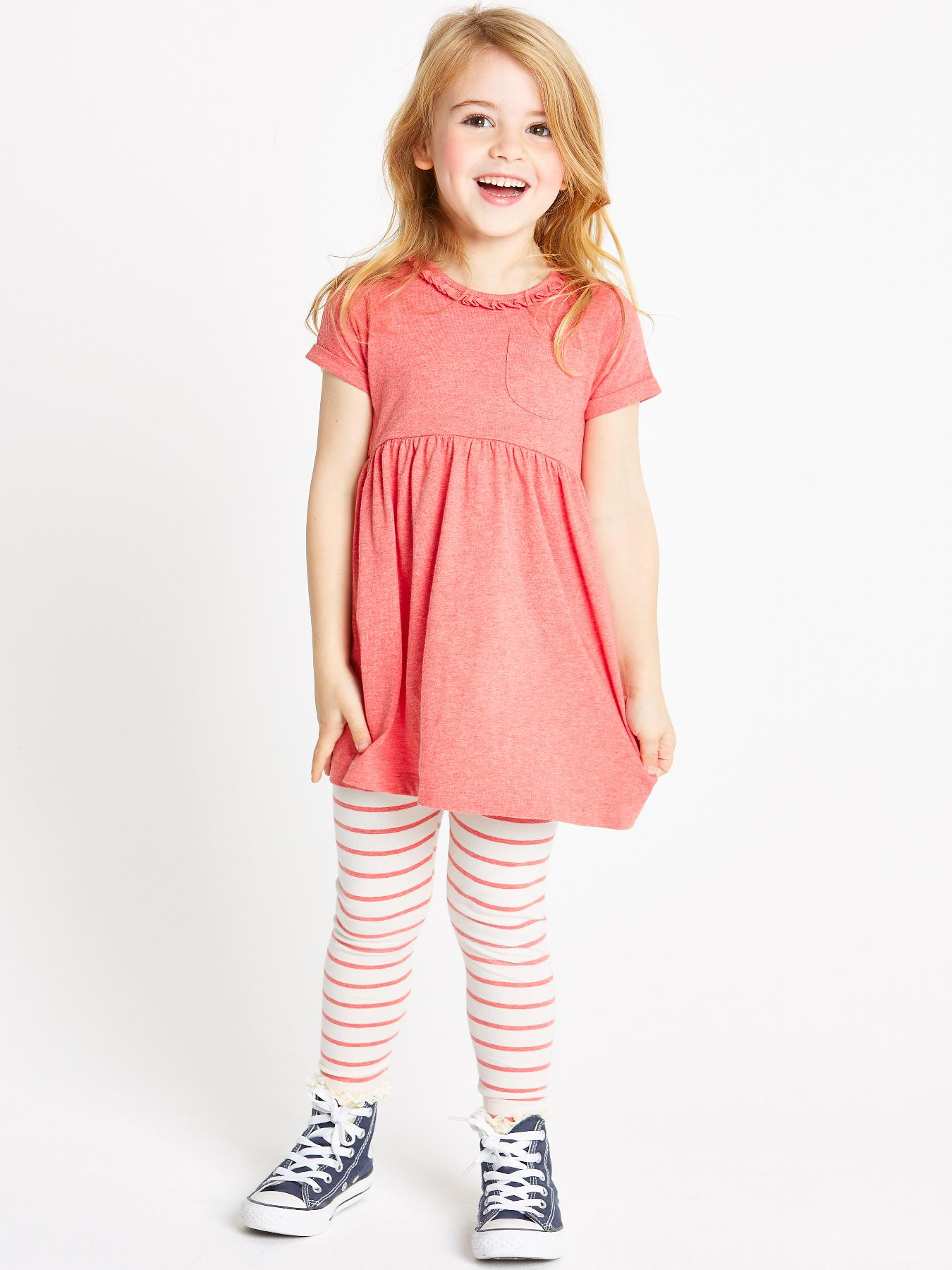 Girls' Clothing at Littlewoods. Prepare her wardrobe for the new season with girls' clothes here at Littlewoods. We've got the latest styles by brands like Joules, Monsoon and River Island. From outerwear to occasion wear and basic tops, tees and jeans, we have outfits for every event in her diary.