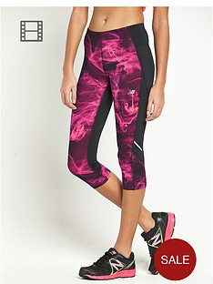 new-balance-accelerate-printed-capri-pants