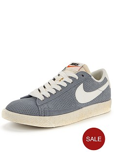 nike-blazer-suede-low-vintage-trainers