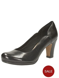 clarks-chorus-nights-leather-court-shoes