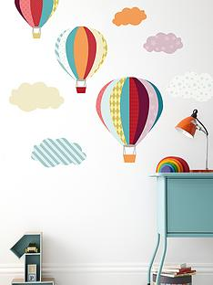 mamas-papas-wall-art-balloons