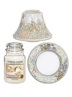 yankee-candle-wedding-season-classic-large-jar-wedding-day-with-gold-and-pearl-crackle-shade-tray