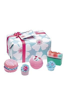 bomb-cosmetics-bath-bomb-sky-high-gift-set