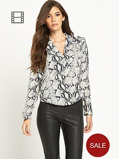 tfnc-dafney-wrap-blouse
