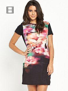 lipsy-blurred-floral-shift-dress