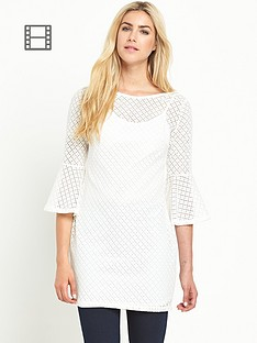 definitions-lace-v-back-tunic