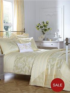 trudy-duvet-and-pillow-set
