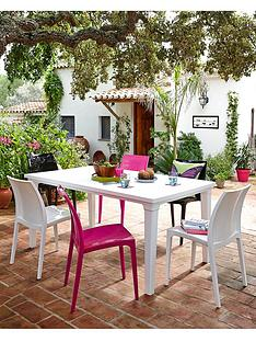 futura-outdoor-dining-table