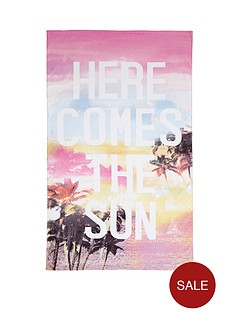 accessorize-here-comes-the-sun-beach-towel