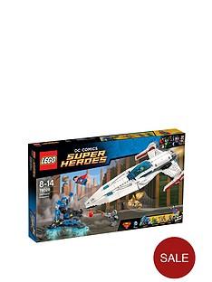 lego-super-heroes-darkseid-invasion-76028