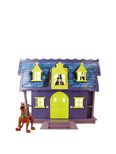 scooby-doo-mystery-mansion-play-set-and-scooby-doo-figure