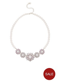 lipsy-flower-and-pearl-necklace