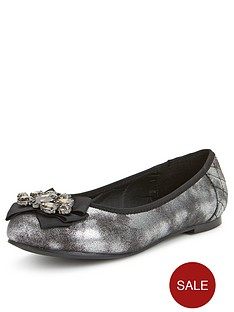 so-fabulous-tia-jewel-front-quilted-extra-wide-ballerina-shoes