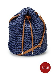 straw-duffle-bag