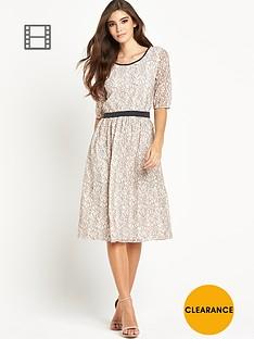 vila-wall-ms-dress