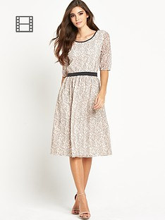 vila-wall-ms-dress