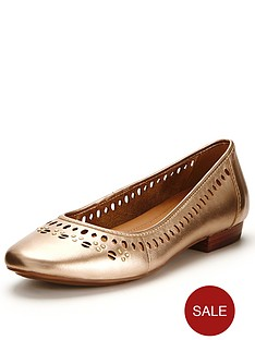 clarks-henderson-hot-ballerina-pumps-gold