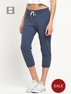 converse-three-quarter-textured-pants