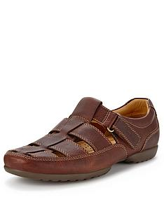 clarks-recline-wide-fit-leather-shoes