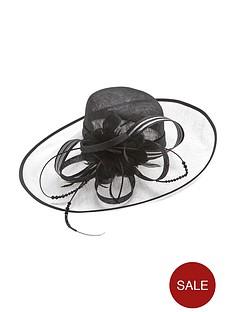 statement-hat-monochrome