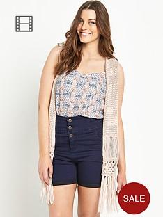 so-fabulous-crochet-stitch-tassel-hem-waistcoat