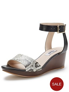 clarks-ornate-jewel-two-part-wedge-black-sandals