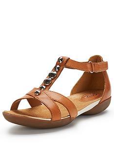 clarks-raffi-scent-flat-sandals