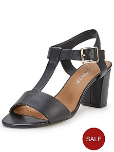 clarks-smart-deva-sandals