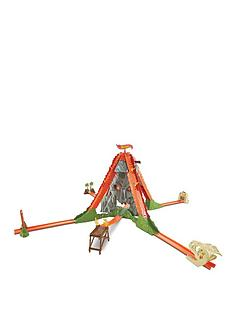 hot-wheels-fall-track-volcano