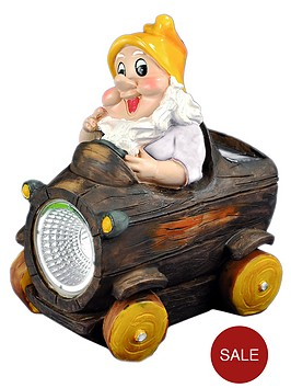 solar-light-gnome-car