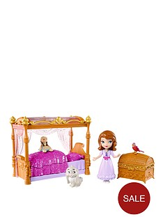 sofia-the-first-and-her-royal-bed