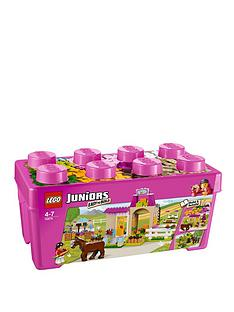 lego-juniors-pony-farm