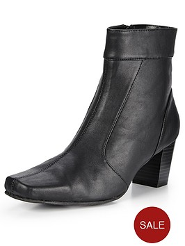 shoe-box-malone-mid-heel-ankle-boots