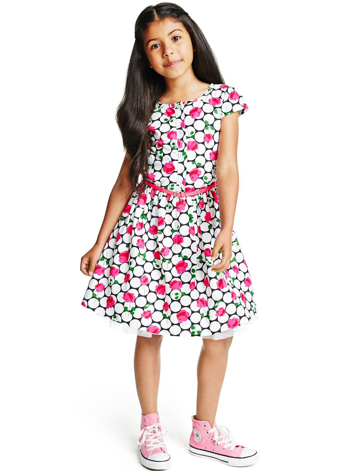 Mar 25, · The best sites for online clothes shopping in India. Below is a list of few great online clothing stores. Possibly you could fine the best deals here. What are the good sites for online clothes shopping in India? Sites like amazon and snapdeal have the best price .