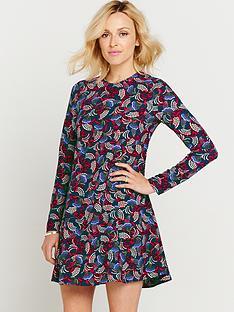 printed-long-sleeve-swing-dress