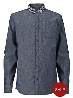 chambray-shirt-with-contrast-collar