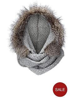 fur-hooded-snood