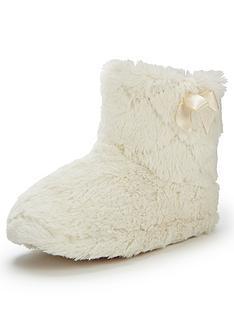 evie-fluffy-slipper-boot
