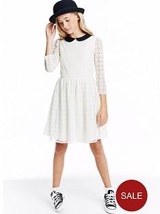 peter-pan-lace-dress