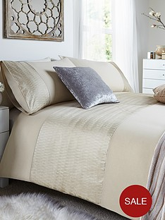 heat-set-panel-duvet-cover-and-pillowcase-set-buy-1-get-1-free