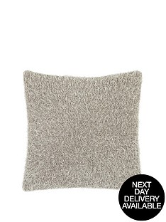 faux-ostrich-knitted-cushion