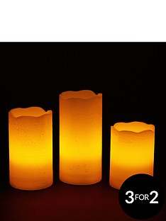3-led-candles-with-gold-finish