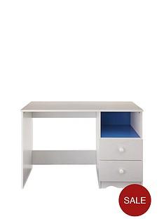 nicki-study-desk